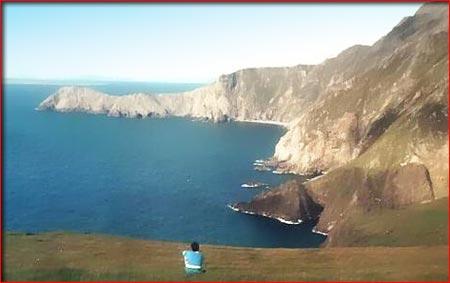 Die Klippen auf Achill Island, Grafschaft Mayo, Irland