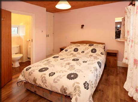 Double ensuite bedroom in rental accommodation in Loughglynn.